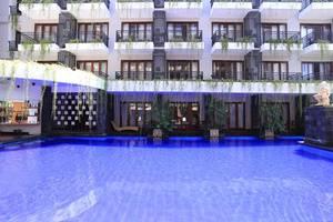 RedDoorz @Pangkung Sari Seminyak Bali - Kolam Renang