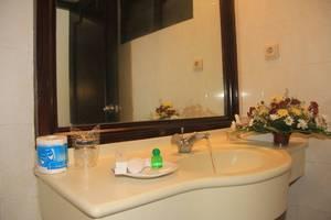 Inna Bali Hotel Bali - Kamar mandi