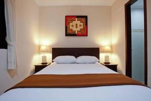 Tinggal Standard at Raya Legian Bali - Kamar tamu