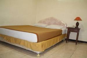 Ronggolawe Hotel Blora - Room