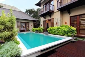 Tis Villa  Seminyak - Kolam Renang (3 Bedroom pool villas)