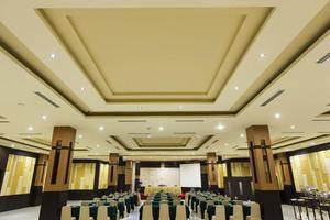Hotel Orchardz Jayakarta - 13