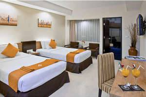 The Sunset Hotel Bali - Deluxe Kolam renang
