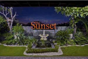 The Sunset Hotel Bali - Pemandangan dari lobby