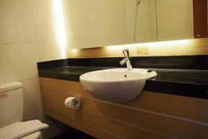 Kuta Majesty Hotel Bali - Kamar mandi
