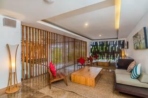 ZenRooms Seminyak Cendrawasih - Area tempat duduk lobi