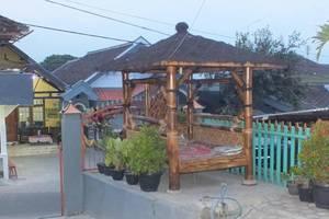 ABR 1 Homestay Malang - Eksterior