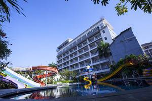 Grand Aquarium Hotel