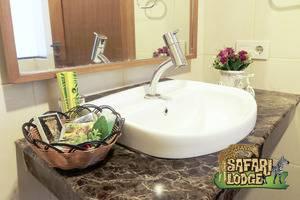 Taman Safari Lodge Cisarua - Amenities