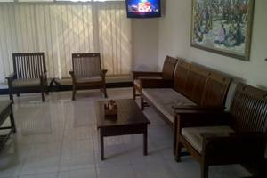 Catur Warga Hotel Lombok - ruang tunggu