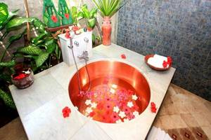 Hotel Tugu Lombok - Bath Tub