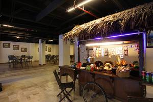 D'Salvatore Art & Boutique Hotel Yogyakarta - the right of