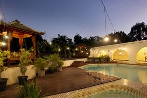 D'Salvatore Art & Boutique Hotel Yogyakarta - Swimming Pool