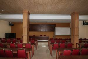 NIDA Rooms Ucok Durian Medan Baru - Ruang Rapat