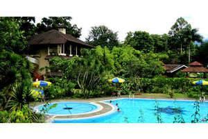 Taman Sari Hotel by Prasanthi Sukabumi - Kolam Renang