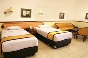 Taman Sari Hotel by Prasanthi Sukabumi - Flamboyan Suite
