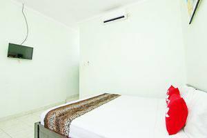 ZenRooms Mataram Kuta - Tempat Tidur Double