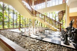 Nirwana Resort Hotel Bintan - Giant Board Games