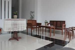 Prima Dini Hotel Bukittinggi - Ruang Tamu
