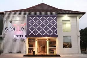 Smile Hotel Cirebon - Exterior