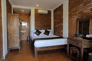 RedDoorz near Raya Semer Bali - Bedroom