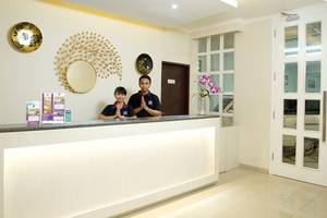 Laxston Hotel Jogja - Lobby