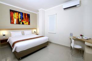 Laxston Hotel Jogja by Front One