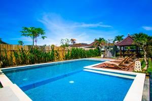 Srikandi Hotel & Restaurant Bali - Swimming pool
