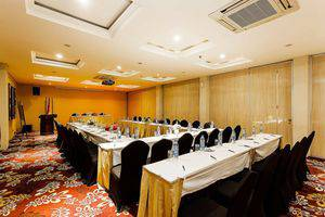 ZEN Premium Blok M Palatehan Jakarta - Ruang Rapat