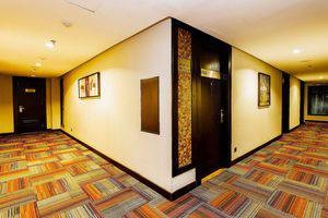 ZEN Premium Blok M Palatehan Jakarta - Koridor