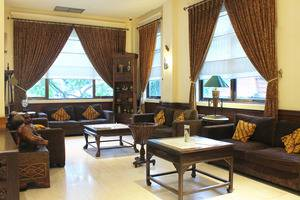 Narita Classic Hotel Surabaya - Lobi