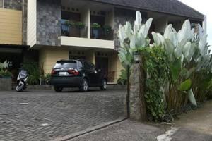Rumah Teras Cigadung Guesthouse Bandung - Eksterior