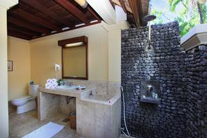 Mimpi Resort Tulamben - Deluxe Bathroom
