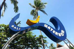 RedDoorz Near Kuta Square 2 - Waterboom Bali