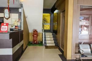 NIDA Rooms Pasar Pekanbaru Bawah Juanda Pekanbaru - Resepsionis
