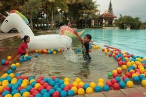 Mason Pine Hotel Bandung - Kids Pool