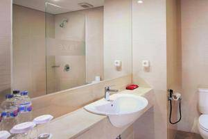 favehotel Makassar - Bathroom