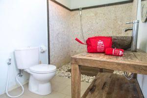 ZenRooms Uluwatu Labuan Sait Bali - Kamar mandi