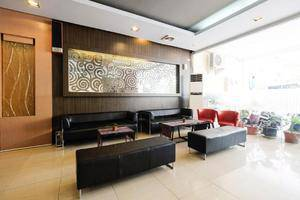 New Legend Hotel Makassar - Lobby