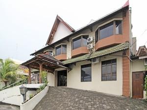 RedDoorz near Malioboro Tugu Station Jogja