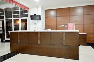 ZEN Premium Menteng Gondangdia Jakarta - Resepsionis