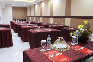 NIDA Rooms Losari Beach Rotterdam Makassar - Ruang Rapat