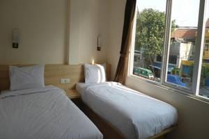New Moonlight Hotel Bandung - Superior Twin