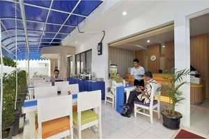 The Dinar Hotel Bandung - Café