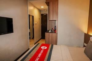 NIDA Rooms Iskander Muda 145 Medan Kota - Kamar tamu