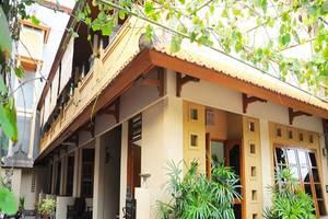 Jesen's Inn 3 Bali - Tampilan Luar Hotel