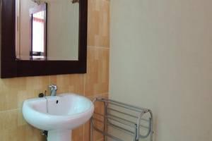 Jesen's Inn 3 Bali - Kamar mandi