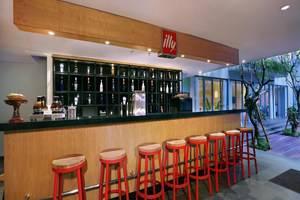 Neo+ Kuta Legian - Bar