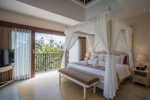 Royal Tulip Visesa Ubud Bali - 2BR Pool Sky Villa - Master Room