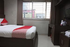 OYO 383 Env Residence